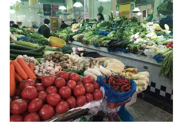 上海の市場にて